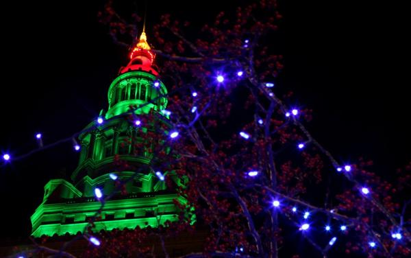 Cleveland's Holiday Lights Trolley Tours 2